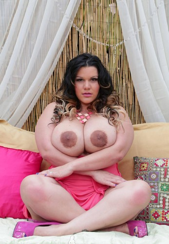 Angelina Castro – Plumper Pass    Black Dick Down – Interracial + Pics Set