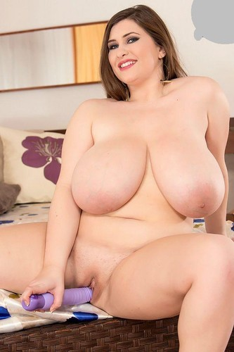 Jennica Lynn – Endless Curves Extra big M cup boobs plays with her pussy 1080p
