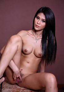 Foto model telanjang cantik difoto pamer biji kelentit vagina