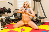 Leya Falcon - Big Butt Leya Falcon Works Out Then Sticks Dumbbells Inside Her-y5niql83yy.jpg