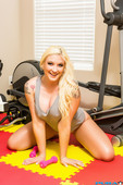 Leya Falcon - Big Butt Leya Falcon Works Out Then Sticks Dumbbells Inside Her-75niqkj0ys.jpg